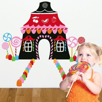 מדבקת קיר ילדים - בית ממתקים
