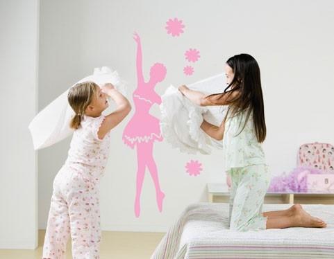 מדבקת קיר רקדנית