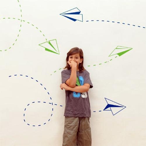 מדבקת קיר ילדים - מטוסי נייר