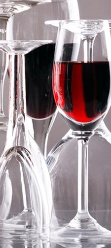 תמונת טפט גביעי יין - Wine Glasses