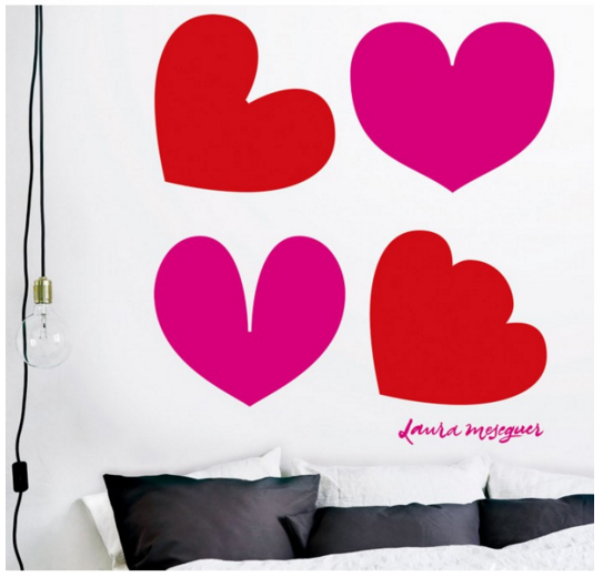 מדבקת קיר - פופ אהבה