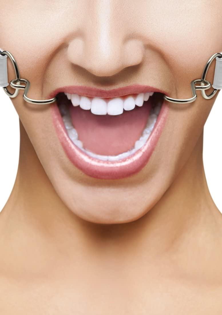 קרסים לפתיחת הפה עם חגורות עור