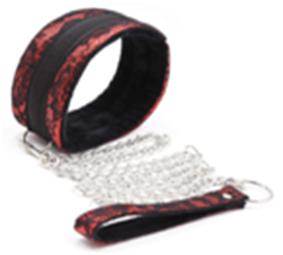 קולר סקוץ מעוצב אדום שחור עם רצועה