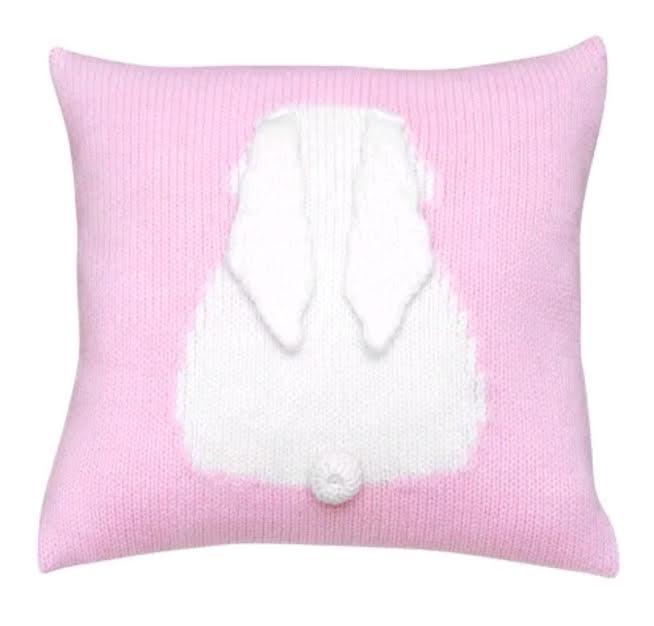 כרית נוי סרוגה כרית ארנב בצבע ורוד אקססוריז עיצוב חדר ילדים
