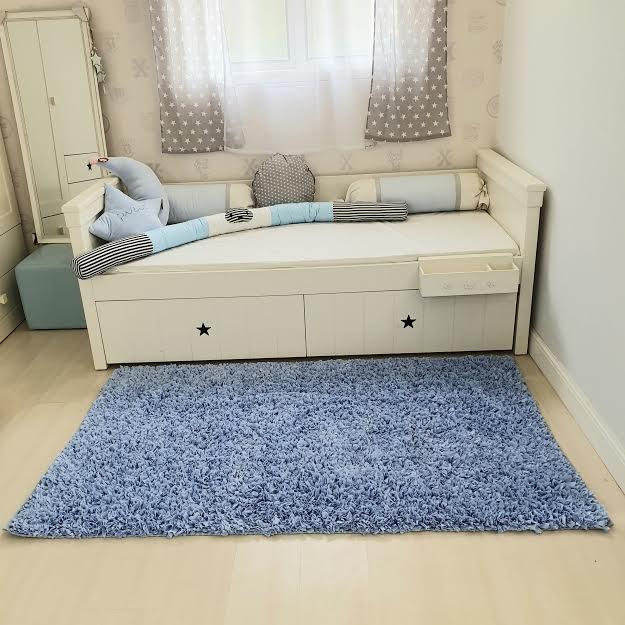 שטיח לחדר ילדים מלבני תכלת