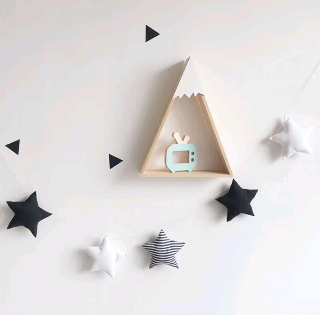מובייל כוכבים שחור לבן אפור אקססוריז עיצוב חדר הילדים