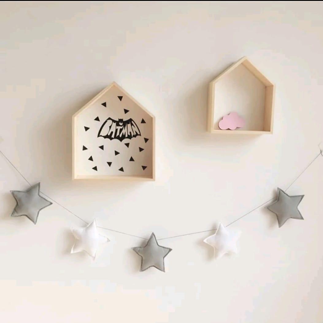 מובייל כוכבים אפור לבן אקססוריז עיצוב חדר ילדים