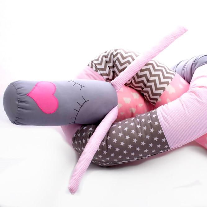 כרית נחשוש לתינוק ורוד קרניים