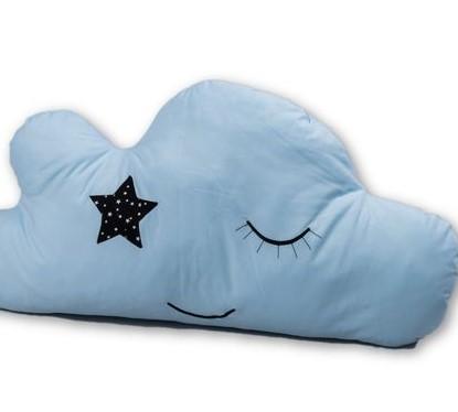 כרית ענן תכלת כרית כוכב  כרית בצורת ענן בצבע תכלת אקססוריז עיצוב חדר ילדים