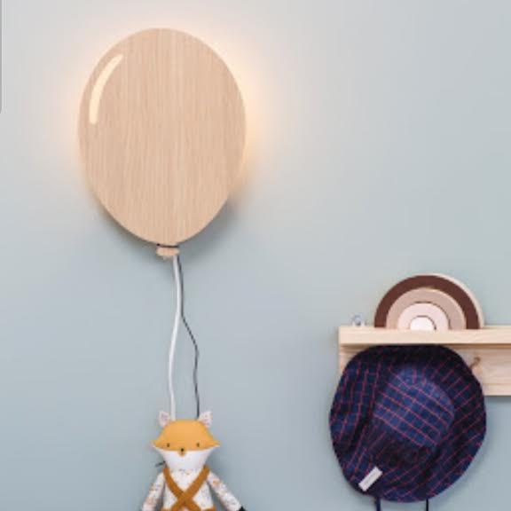 מנורת לילה לחדר ילדים דגם בלון גוון עץ