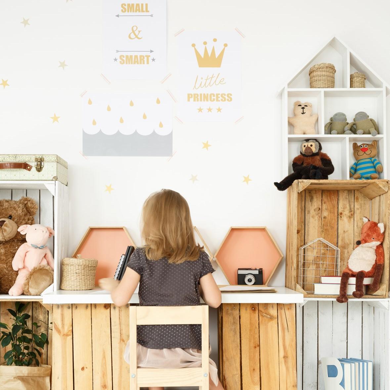 מדבקות קיר לחדרי ילדים דגם כוכבים זהב