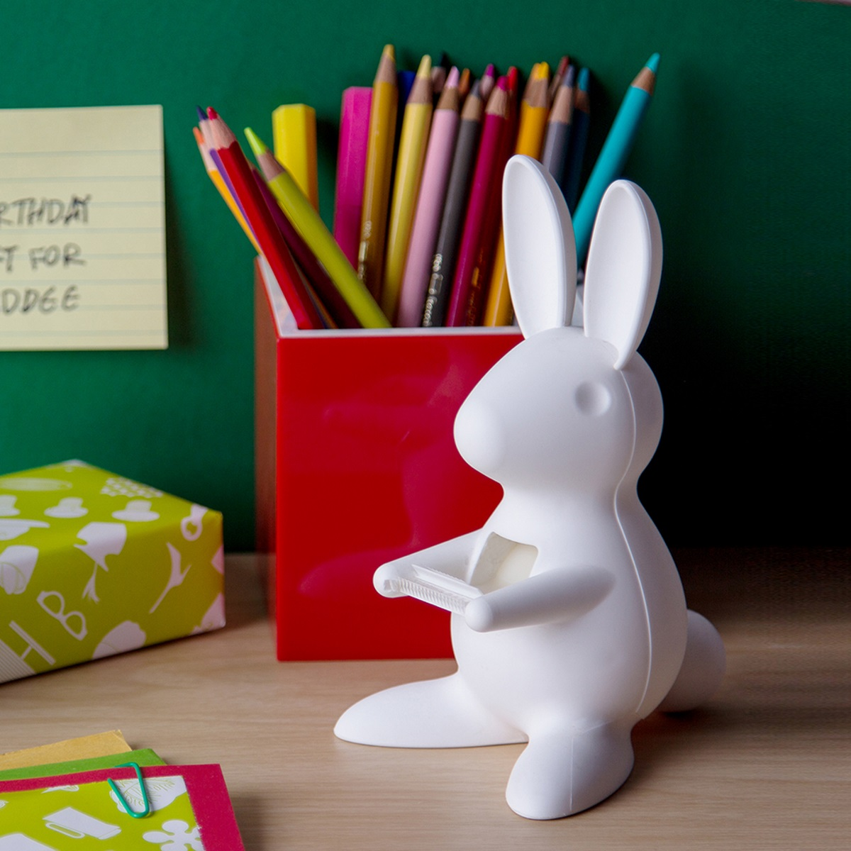 חזרה ללימודים סטנד לסלוטייפ ארנב לבן