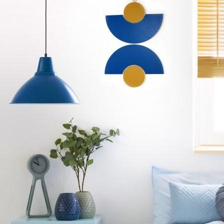 קישוט קיר כחול לקיר