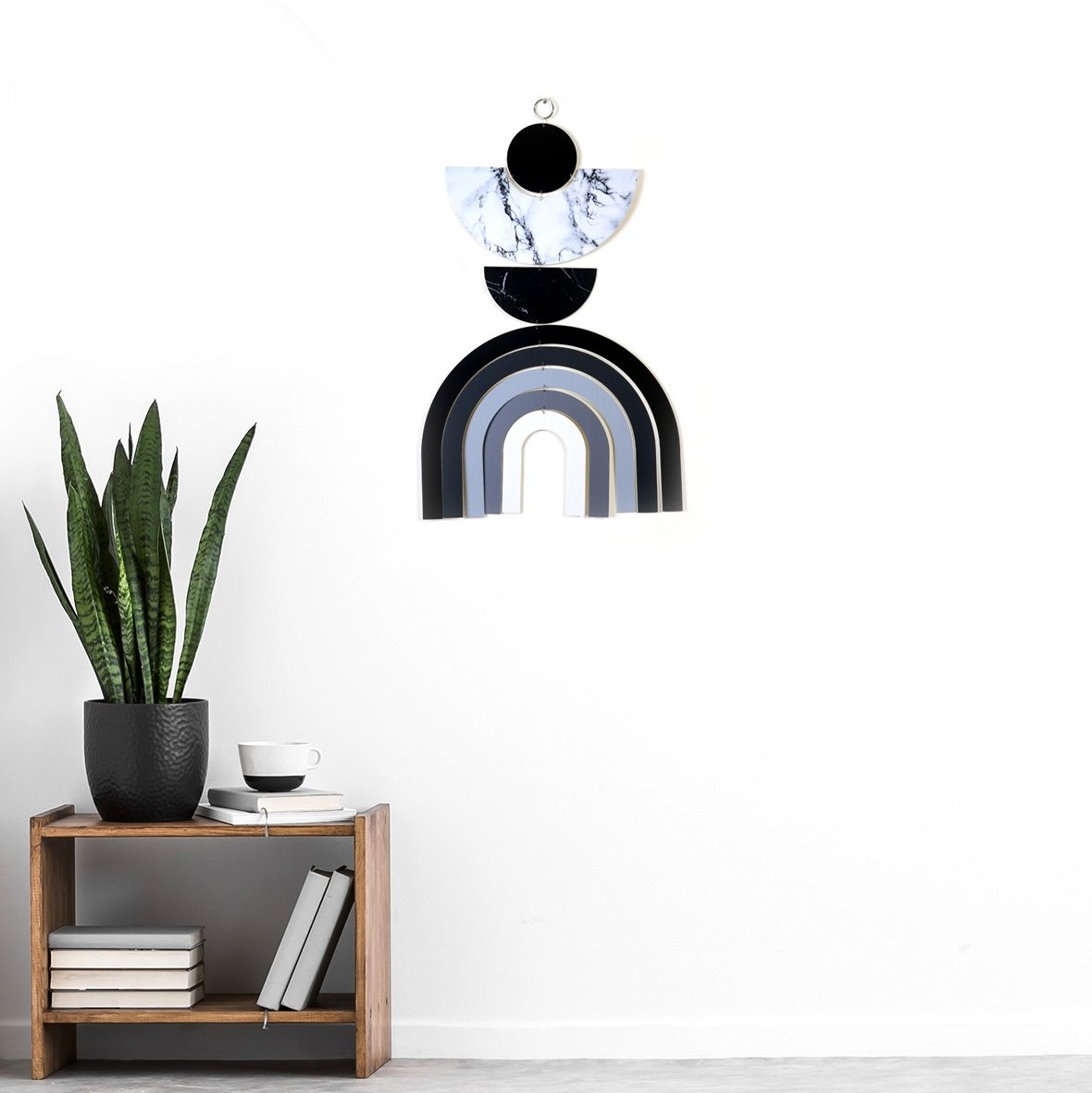 קישוט קיר דקורטיבי שחור לבן קשת