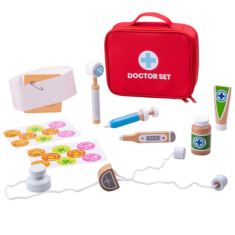 תיק רופא עם פריטים מעץ