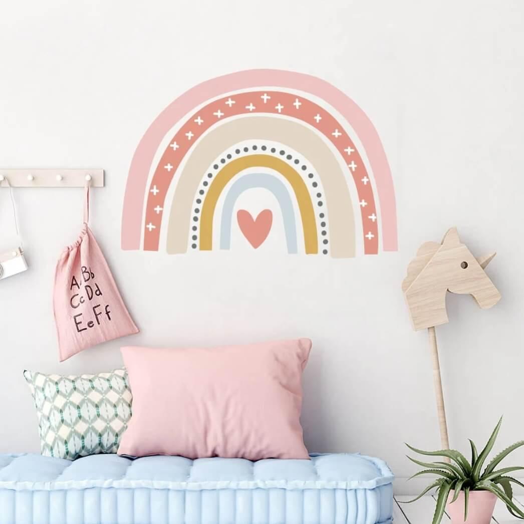 מדבקת קיר לחדר ילדים סגנון נורדי קשת עם לב