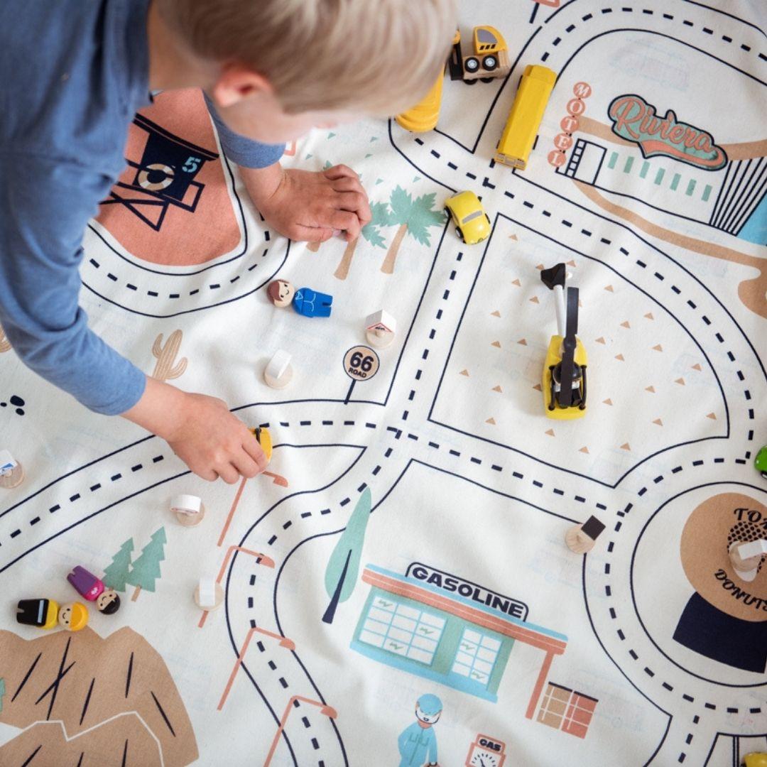 משטח פעילות לילדים מסלול מכוניות