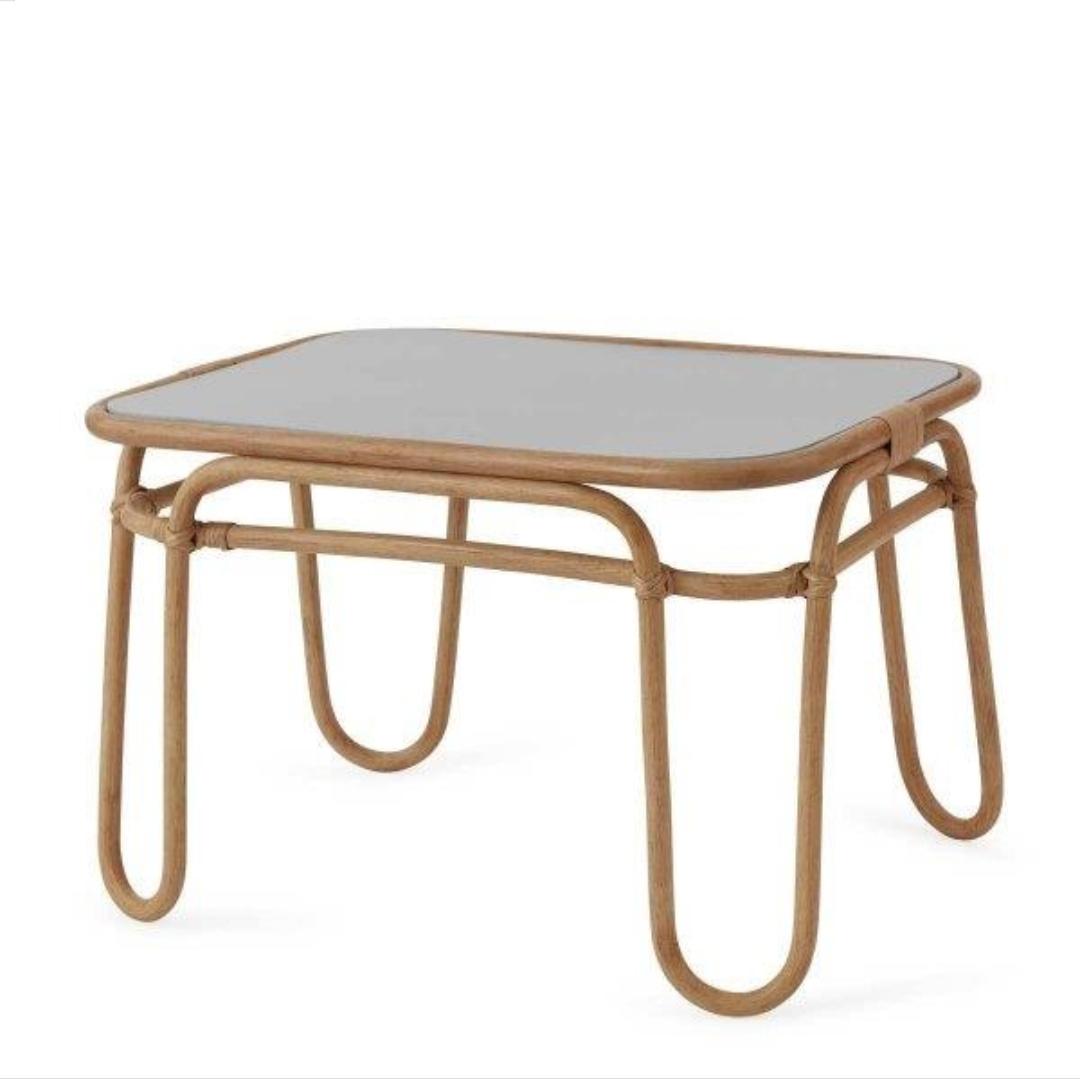 שולחן לילדים בשילוב במבוק