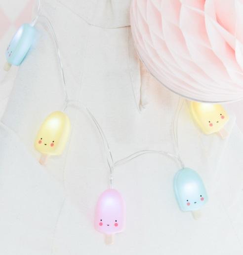 גרילנדת מנורות - קרטיבים צבעוניים