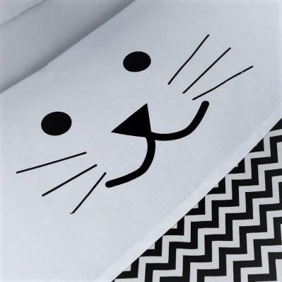 סט מצעים למיטת תינוק דגם חתול שחור לבן