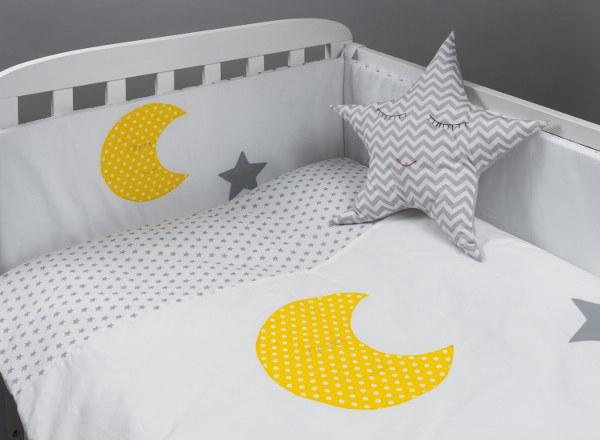 ירח וכוכב - סט מצעים בהזמנה אישית למיטת תינוק