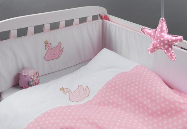 ברבור - סט מצעים בהזמנה אישית למיטת תינוק