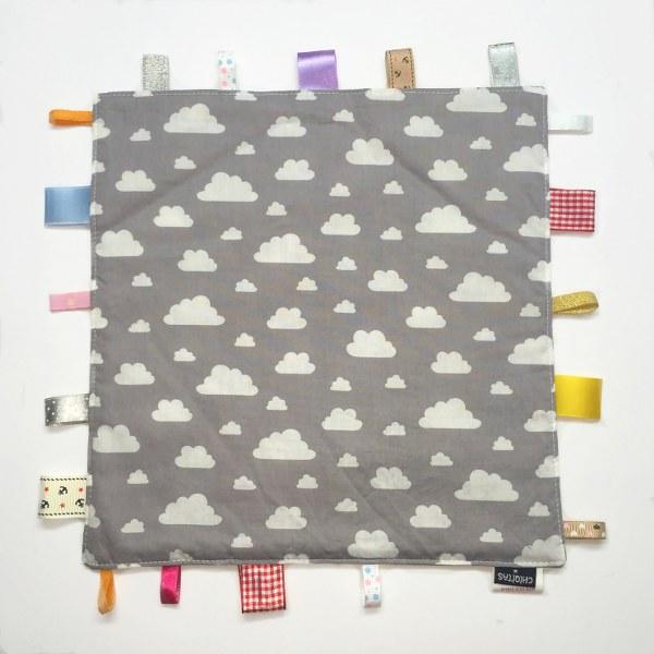 אפור עננים - שמיכי תווית