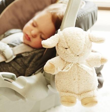 קלאוד בי, בובת שינה כבשה קטנה רעש לבן - תמונה 2