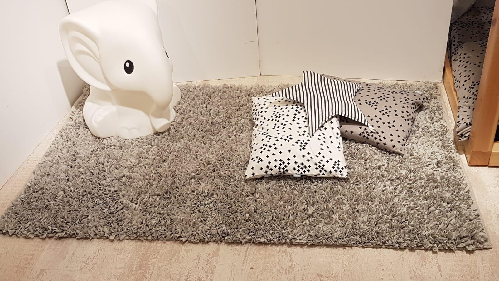 שטיח מלבן לחדר ילדים אפור 90/150