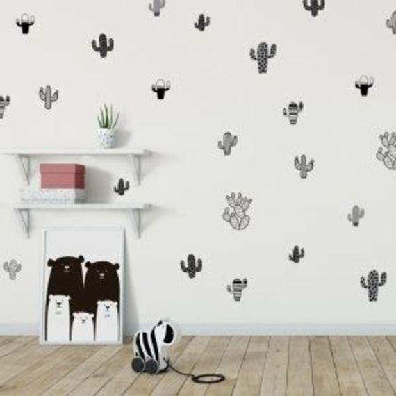 אקססוריז עיצוב חדר ילדים מדבקות קיר קקטוסים בצבע ירוק מדבקת קיר דמות קקטוסים מעוצבים