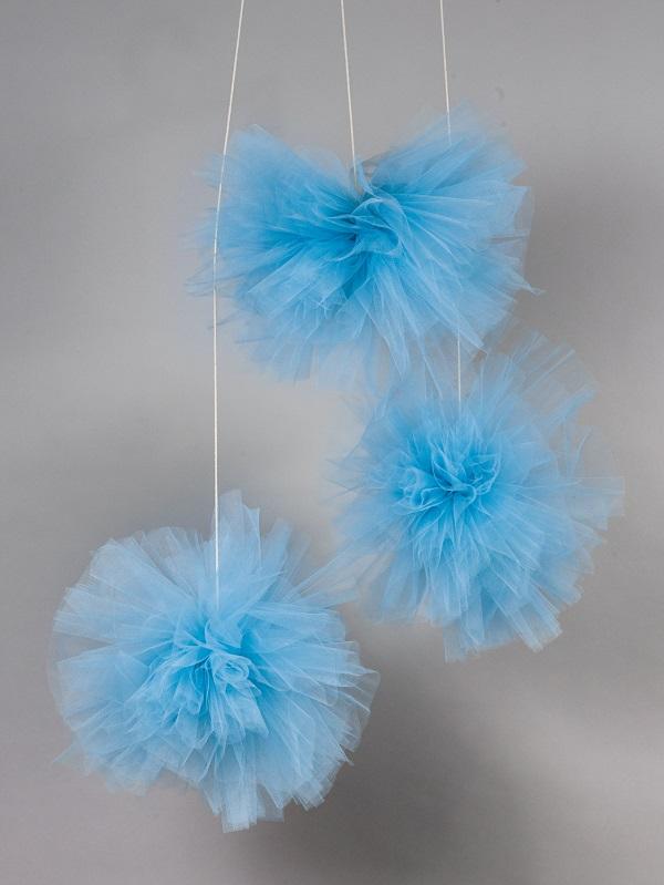 אקססוריז עיצוב חדר ילדים פונפון טול כחול
