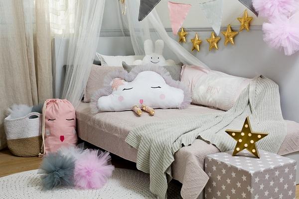 פונפוני טול בגוון תכלת אקססוריז לעיצוב חדרי ילדים