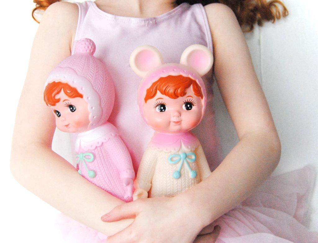 בובה תינוקת ורודה אקססוריז לחדר ילדים