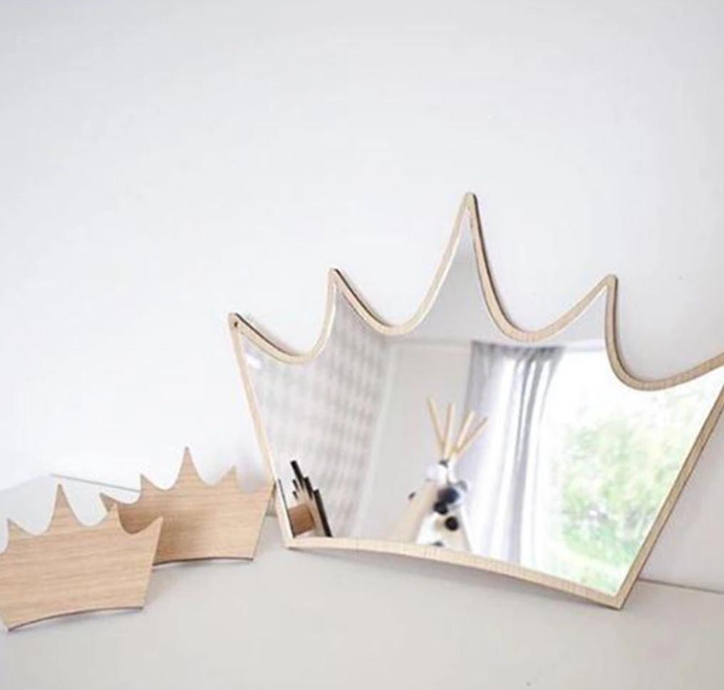 מראה בצורת כתר אקססוריז עיצוב חדר ילדים מראה לעיצוב חדר ילדות