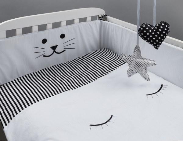שמיכה לתינוק דגם עיניים עצומות