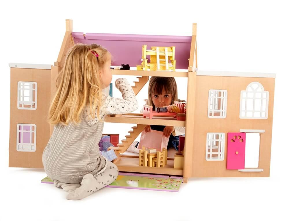 בית בובות מעץ בז