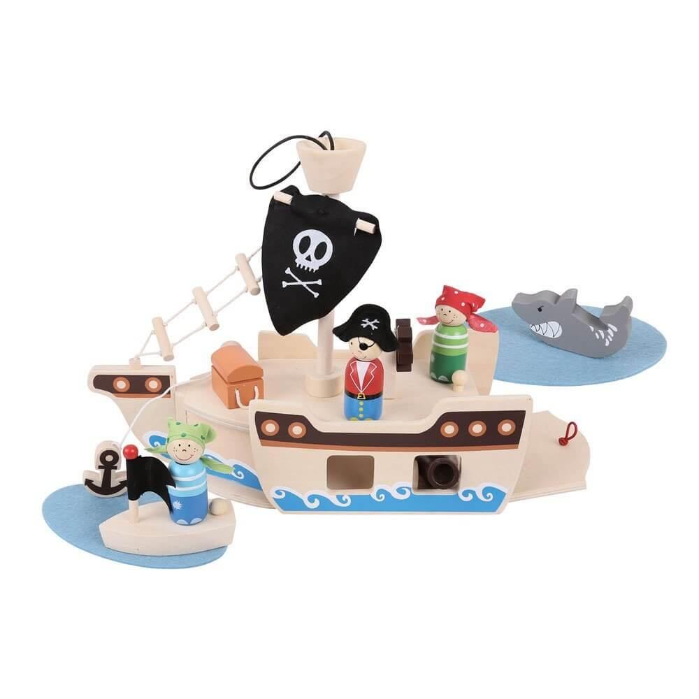 ספינת פיראטים מעץ