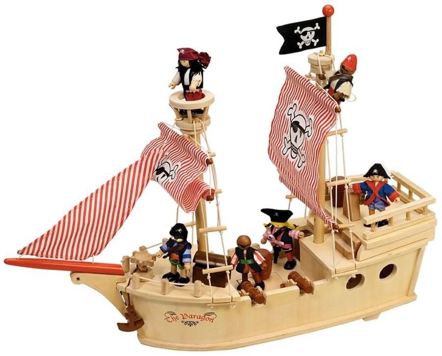 ספינת פיראט מעץ