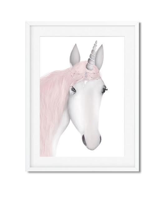 תמונה לחדר ילדות סוס חד קרן נסיכותי