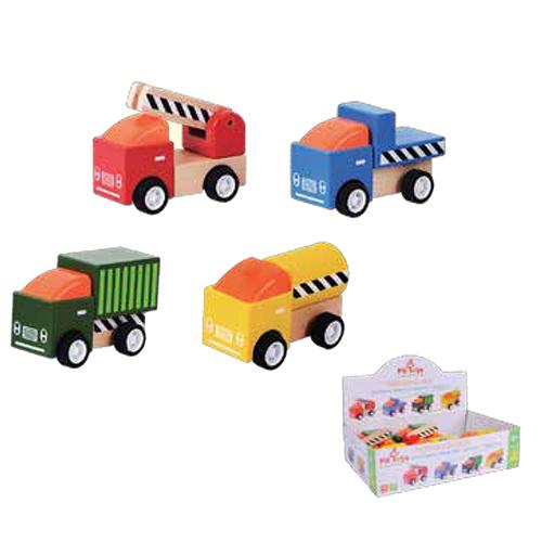 מגוון משאיות עץ