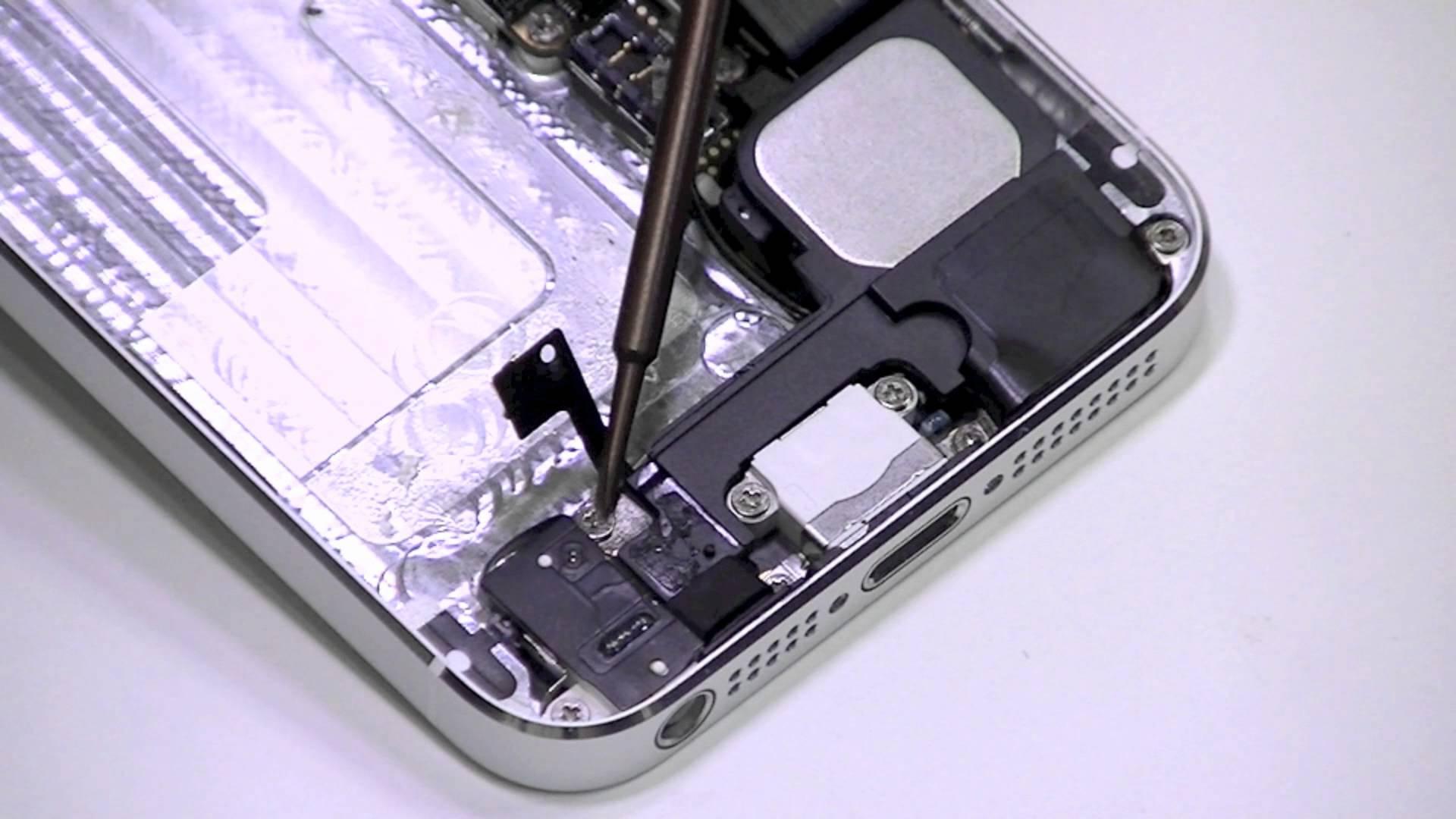 החלפת שקע טעינה לאייפון 5G