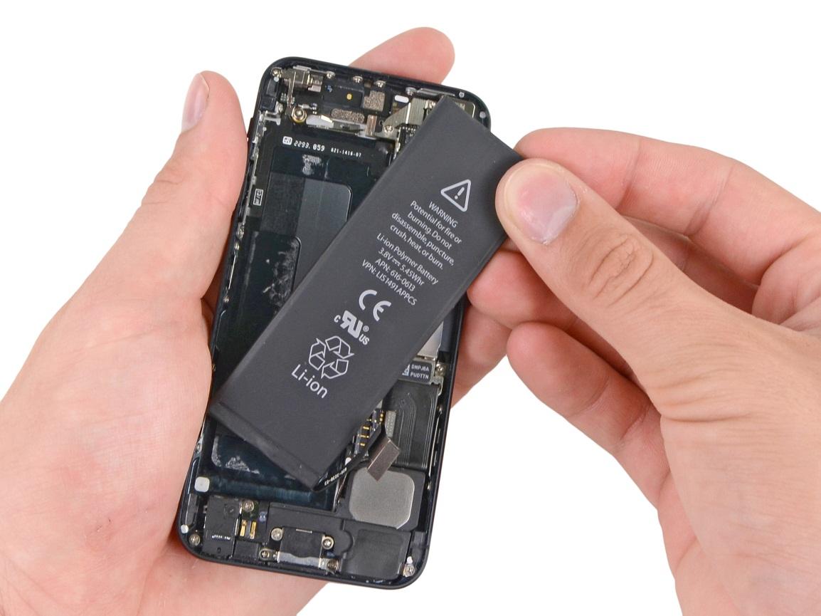 החלפת סוללה מקורית באייפון 5