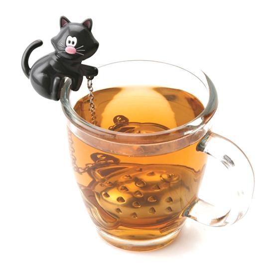 חתול חליטת תה