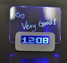 שעון מעורר עם לוח מחיק מואר