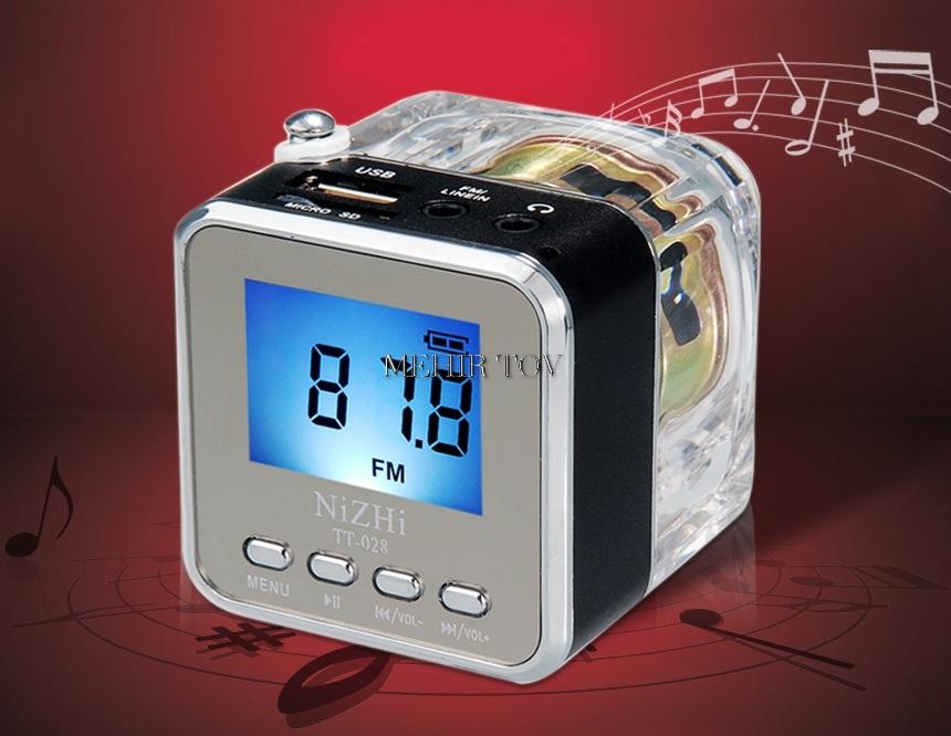 רדיו תצוגת שעון עם כניסות USB וכרטיס זכרון
