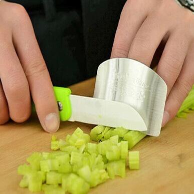 מגן אצבעות לחיתוך ירקות