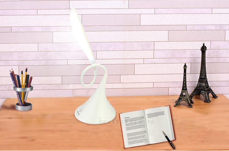 מנורת שולחן לד גמישה USB טאצ'