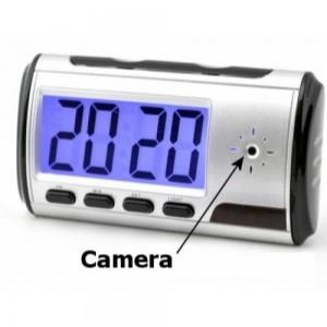 שעון מעורר עם  מצלמה נסתרת