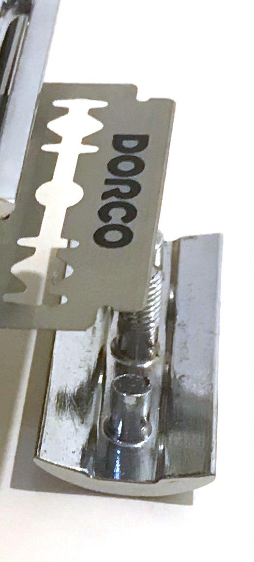 מכשיר גילוח קלאסי TS99