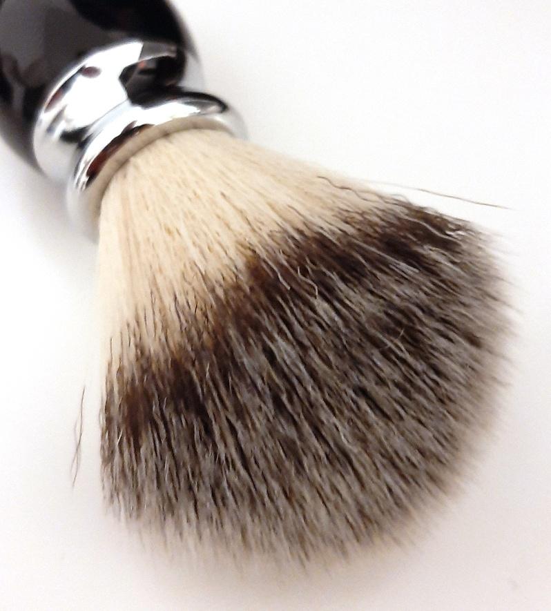 מברשת גילוח איכותית עשויה סיבי ניילון TS35